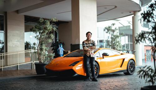 Foto Berawal Ingin Berbakti pada Orang Tua, Eh Mantan Tukang Parkir Ini Sekarang Punya Lamborghini