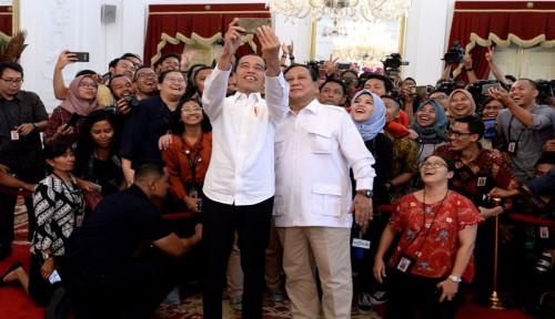 Ucapkan Ulang Tahun, Prabowo Unggah Foto Lawas Bareng Jokowi di Pilgub DKI