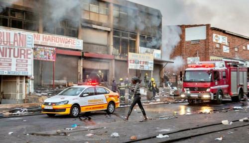 Demo Afrika Selatan Berujung Tragis, Balita Dilempar dari Lantai 16