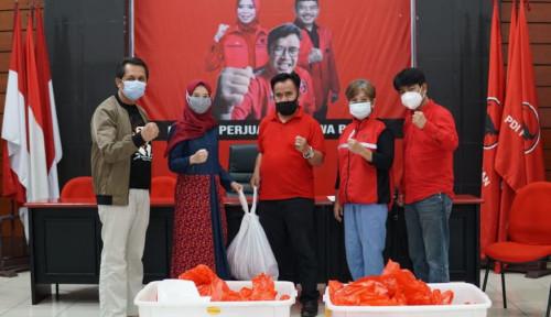 Idul Adha 1442 H, PDIP Jabar Bagikan Langsung Daging Kurban ke Rumah Warga