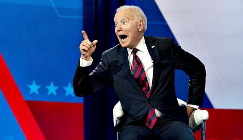 Biar Gak Asal-asalan, Joe Biden Wajibkan PNS Amerika Buktikan Kartu Vaksinasi Corona