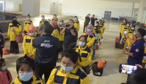 Tepok Jidat! Pekerja Migran Indonesia Ramai-Ramai Dideportasi dari Malaysia!