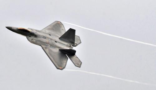 Amerika Mulai Kirim Puluhan Jet Tempur Siluman F-22 menuju Pasifik
