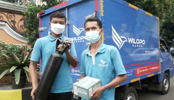 Perusahaan Cargo Ini Bagikan Tabung Oksigen Gratis ke Masyarakat yang Membutuhkan