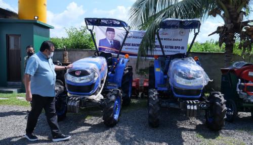 Rachmat Gobel Bagikan Traktor, Ventilator, dan Beras Bervitamin di Gorontalo
