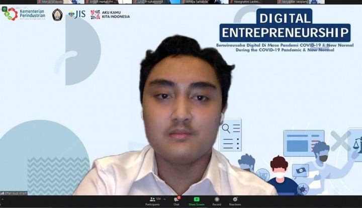 Foto Berita Patut Dicontoh! Siswa SMA Ini Luncurkan Buku Soal Digital Entrepreneurship di Era Pandemi