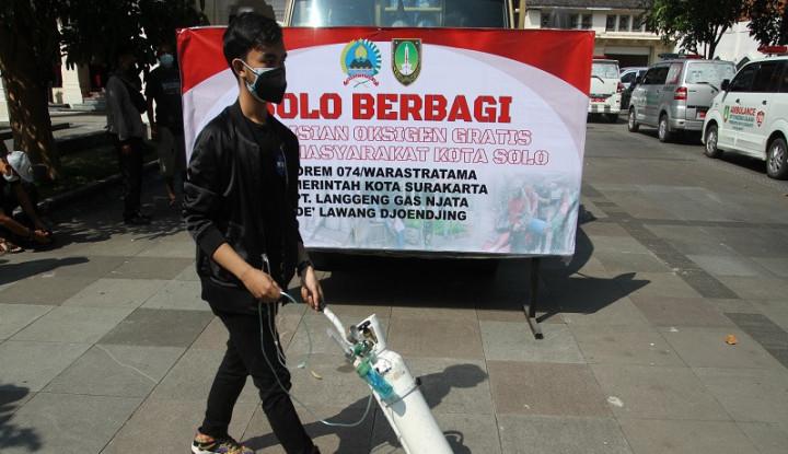 Warganya Mas Gibran Ramai-ramai Antre di Eks Rumah Dinas Jokowi