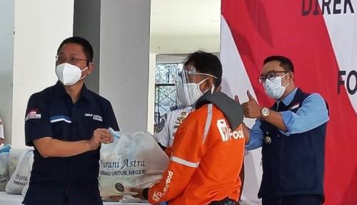 Astra dan Kemenhub RI Serahkan Bantuan Sosial kepada Masyarakat di Bandung