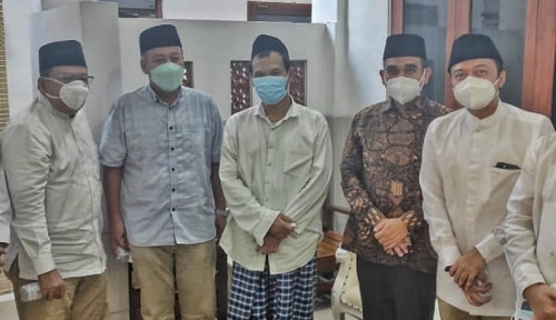 Wakil MPR Ngaji Bareng Gus Baha, Pesannya Bikin Sejuk: Jangan Jadi Bangsa yang Saling Menyalahkan