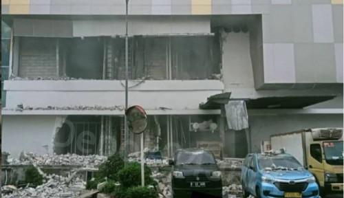 Sebagian Bangunan Mall Margo City Depok Ambruk pada Sabtu Sore