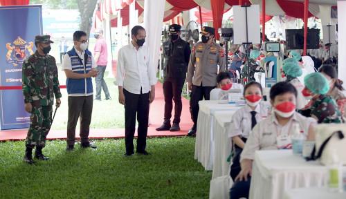 Presiden Jokowi-Ketua Umum Kadin Indonesia Tinjau Vaksinasi untuk Pelajar di Bogor