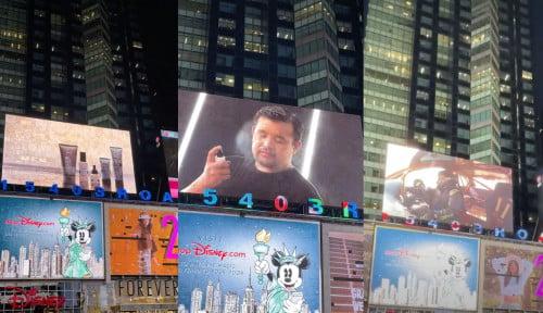 Berasa Mimpi, Akbar Rais Terkejut-kejut Lihat Wajahnya Terpampang di Times Square