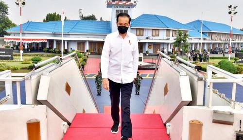 Didamping Airlangga, Jokowi Kasih Bantuan Tunai ke PKL Di Yogyakarta