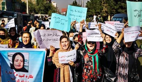 Puluhan Aktivis Wanita Afghanistan Protes ke Kementerian Perempuan Taliban