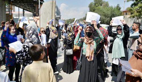 Presiden Uzbekistan Desak Negara Lain Cairkan Aset Afghanistan, Ini Alasannya
