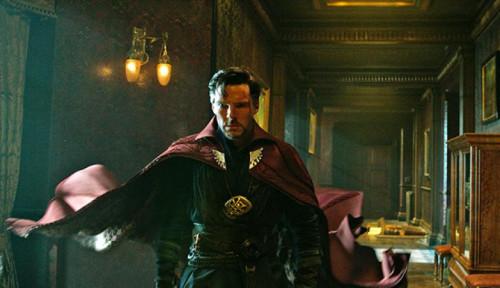Benedict Cumberbatch Beri Komentar Film Spider-Man: No Way Home