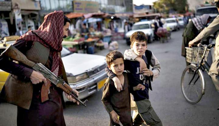 Bantuan Kemanusiaan Afghanistan Tersendat Gegara Taliban Blokir Jalan Truk Pakistan