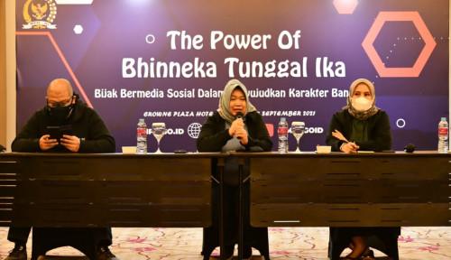 Siti Fauziah : Bermedia Sosial Untuk Mempersatukan Bukan untuk...