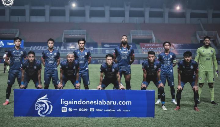 Arema FC Terpuruk, Posisi Pelatih Terancam