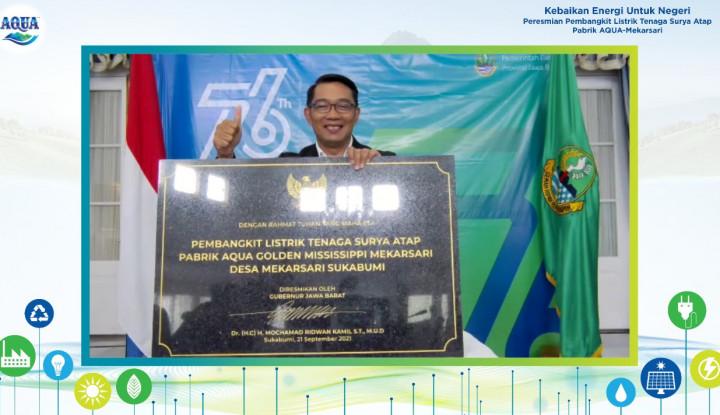 Pabrik AQUA Terbesar di Indonesia Resmikan PLTS Atap