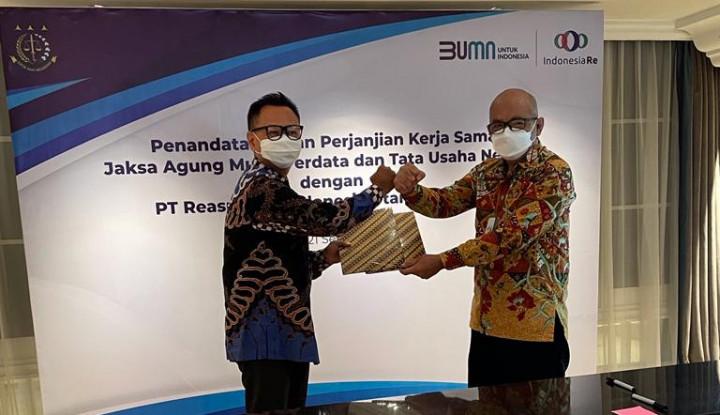 Dukung Upaya Transformasi Perusahaan Reasuransi Nasional, Indonesia Re dan Kejaksaan Agung Teken MoU