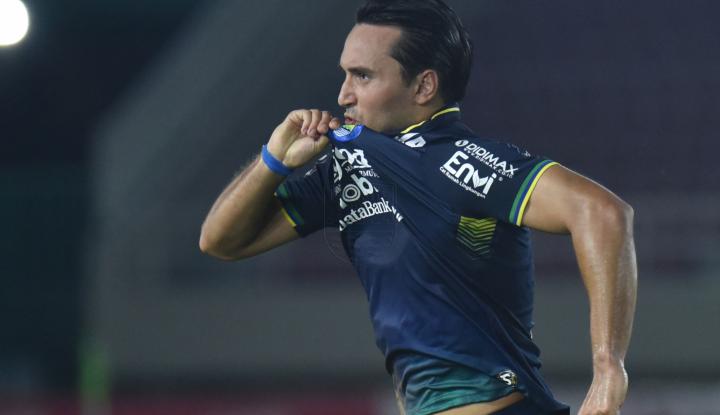 Hadapi Borneo FC, Persib Terancam Kehilangan Ezra Walian