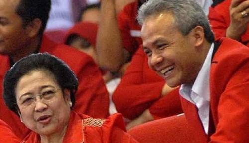 Ganjar Pranowo Jadi Sorotan, Tokoh Ini Sindir Hasto PDIP, Telak!