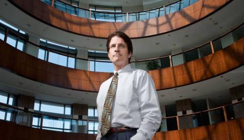 Kisah Orang Terkaya: Andrew Beal, Bankir Terkemuka yang Sukses Berkat Perbaiki Aset Rusak