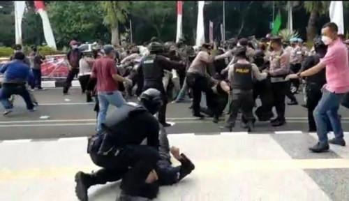 Polisi Seret dan Banting Mahasiswa, PKS: Apapun Alasannya, itu Pelanggaran Berat