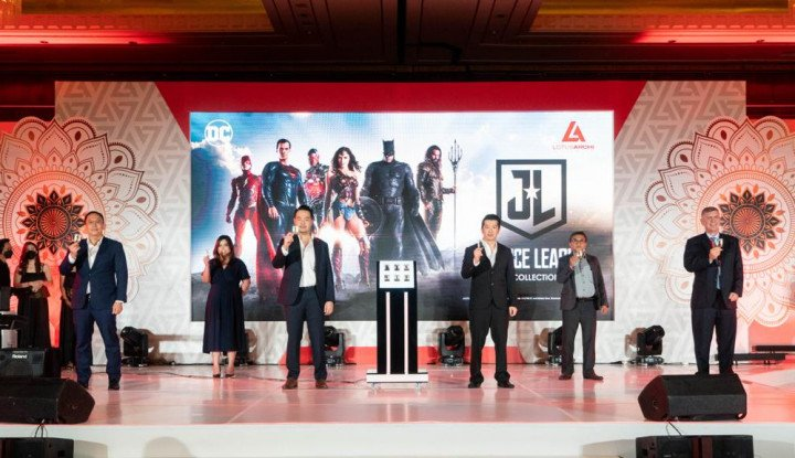 Gandeng Warner Bros, Lotus Archi Luncurkan Emas Edisi Justice League Collection