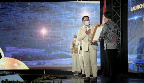 Ridwan Kamil Terima Petikan Peraturan Presiden Pembangunan Rebana dan Jabar Selatan