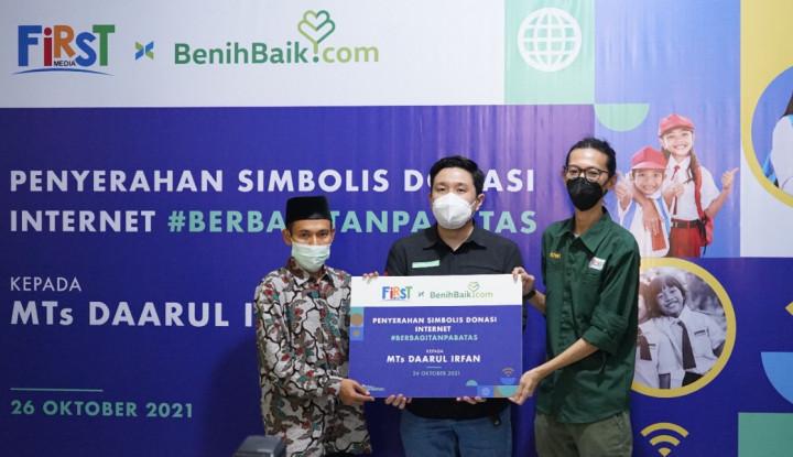 Dukung Dunia Pendidikan Indonesia, First Media Hadirkan Program Donasi Internet